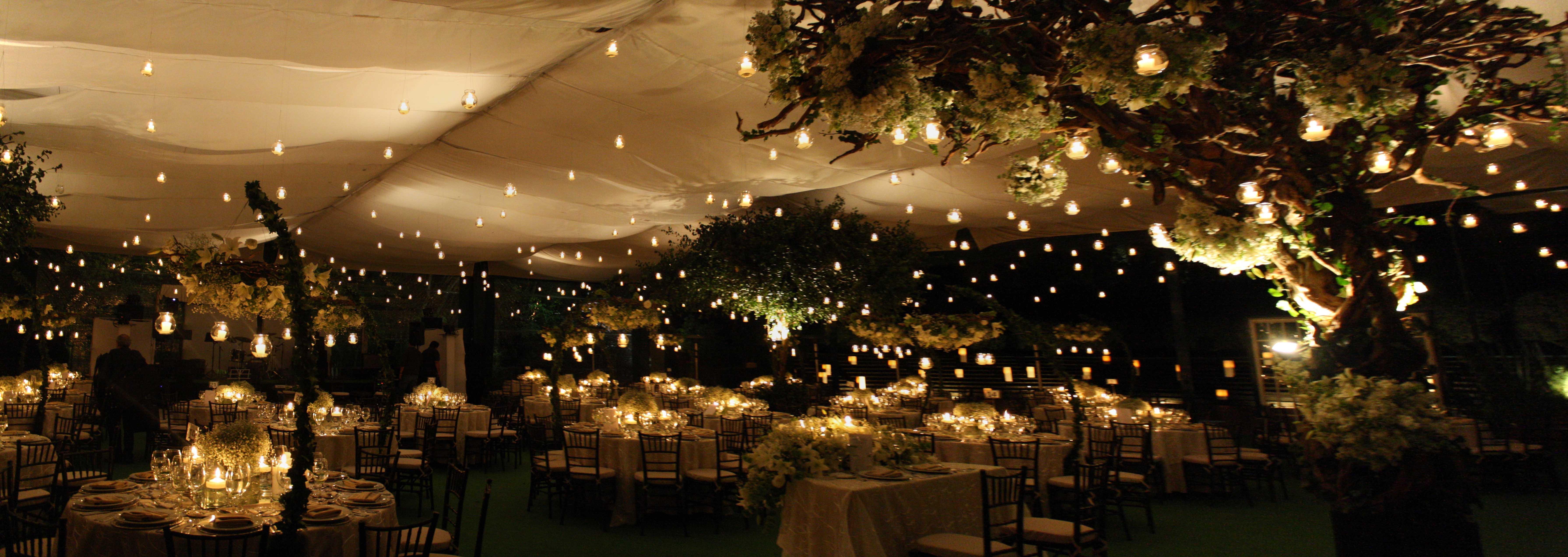 Banquetes corregidor noche for Boda en un jardin de noche